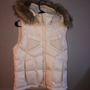 Woman's Columbia Down Vest!!